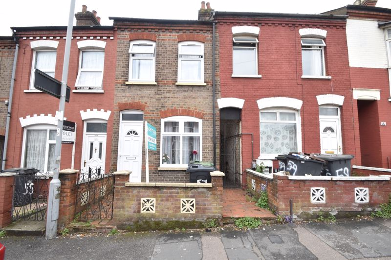 2 bedroom Mid Terrace to buy in Dallow Road, Luton