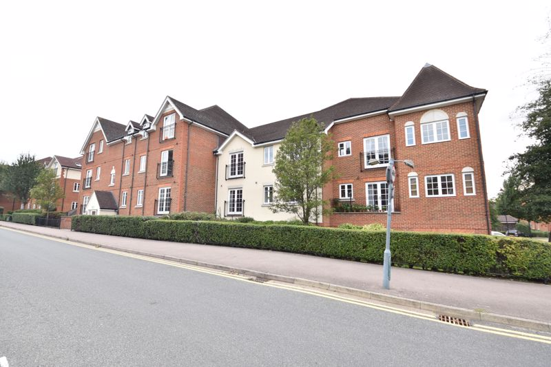 2 bedroom Flat to buy in Peppermint Road, Hitchin - Photo 1