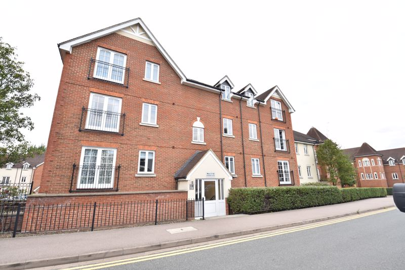 2 bedroom Flat to buy in Peppermint Road, Hitchin - Photo 2