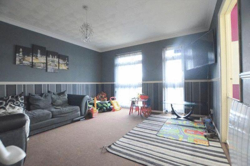 2 bedroom  to buy in Elderberry Close, Luton - Photo 3