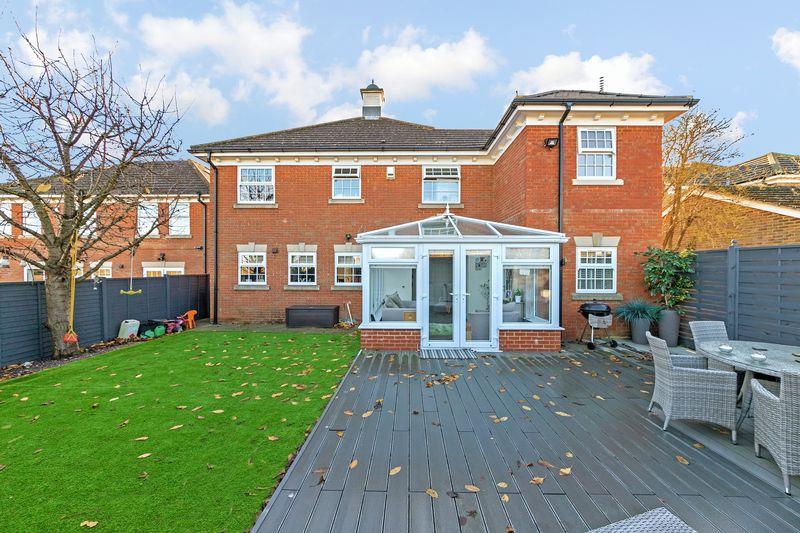 4 bedroom Detached  to buy in Hayton Close, Luton
