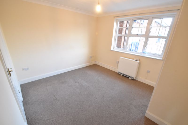 2 bedroom Flat to buy in Earls Meade, Luton - Photo 14