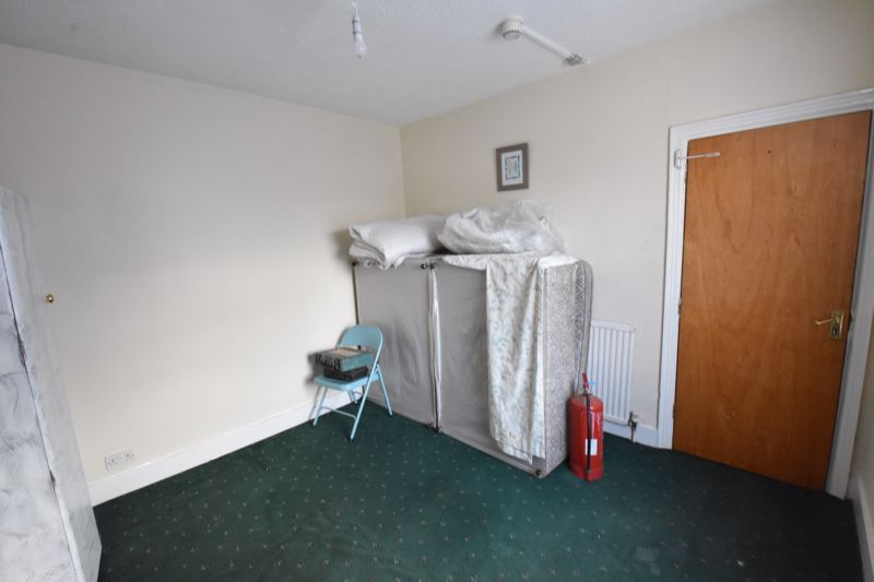 5 bedroom  to rent in Ramridge Road, Luton - Photo 6
