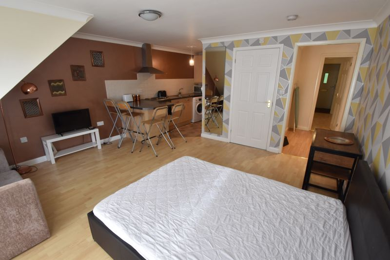 1 bedroom Maisonette to buy in Wensleydale, Luton - Photo 8