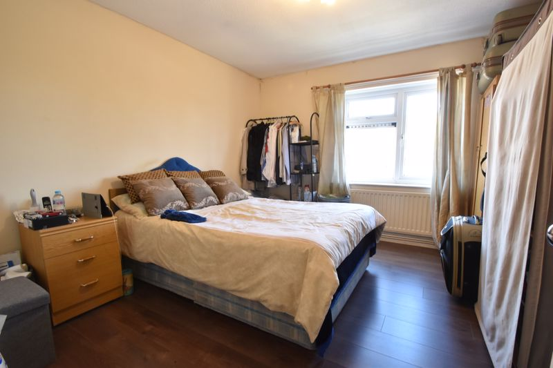 1 bedroom Flat to buy in Ramsey Close, Luton - Photo 8