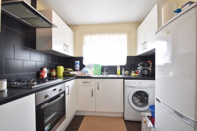 1 bedroom Flat to buy in Ramsey Close, Luton - Photo 10