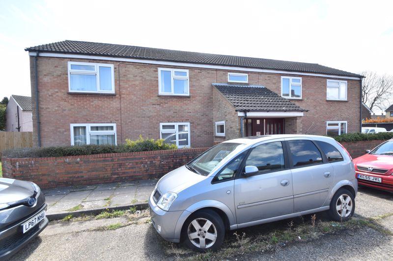 1 bedroom Flat to buy in Ramsey Close, Luton