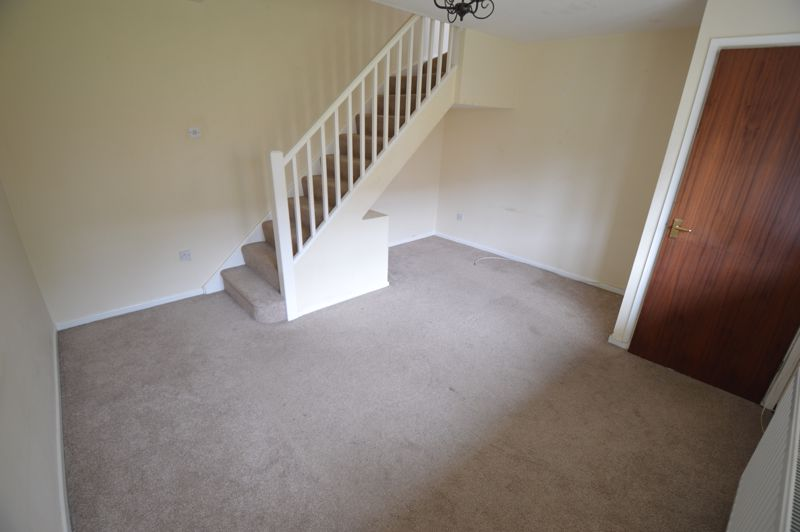 2 bedroom End Terrace to buy in Cheslyn Close, Luton - Photo 3