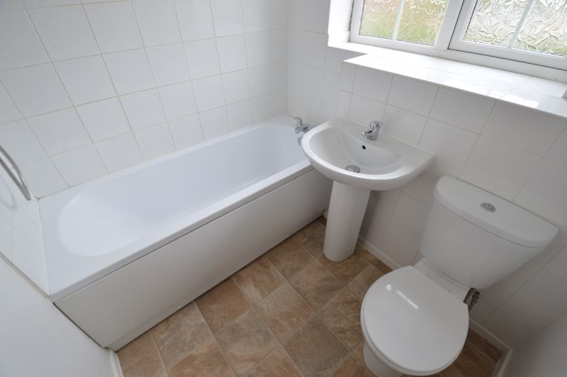 2 bedroom End Terrace to buy in Cheslyn Close, Luton - Photo 8