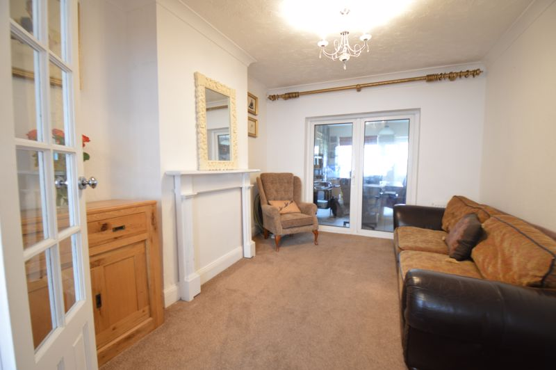 3 bedroom Semi-Detached  to buy in Woodbury Hill, Luton - Photo 31