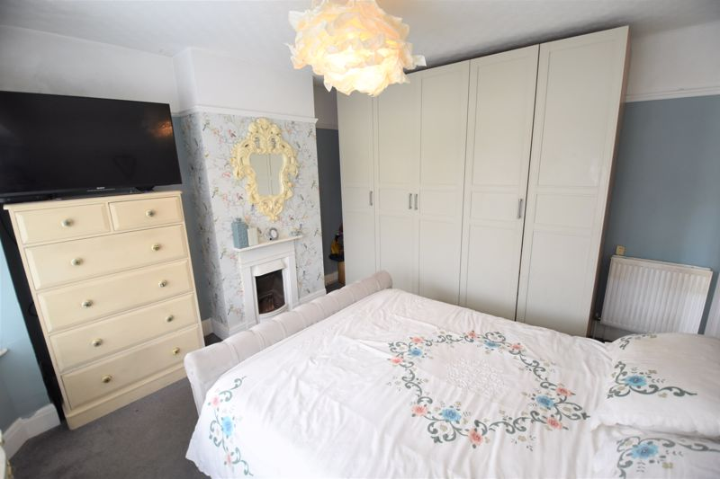 3 bedroom Semi-Detached  to buy in Woodbury Hill, Luton - Photo 20