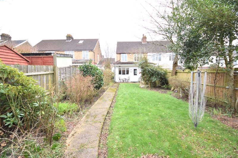 3 bedroom Semi-Detached  to buy in Woodbury Hill, Luton - Photo 25