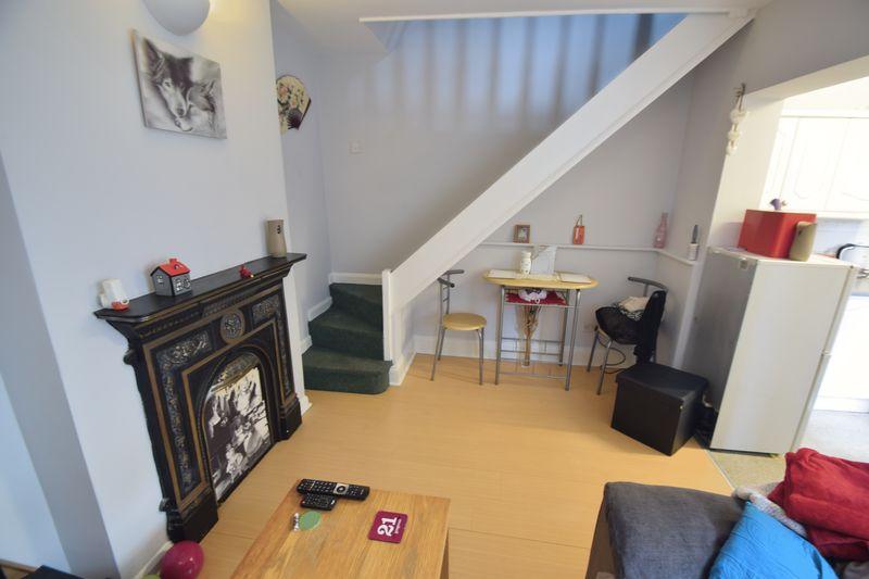 11 bedroom  to buy in Park Street, Luton - Photo 13