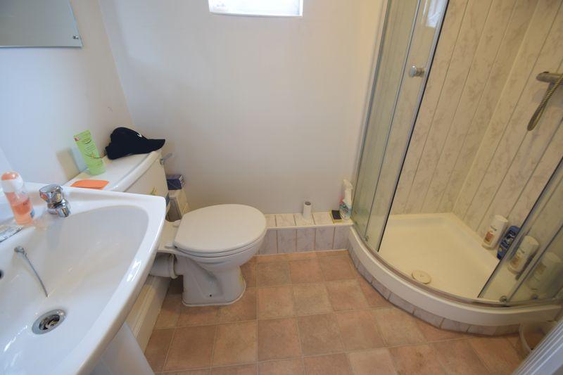 11 bedroom  to buy in Park Street, Luton - Photo 15