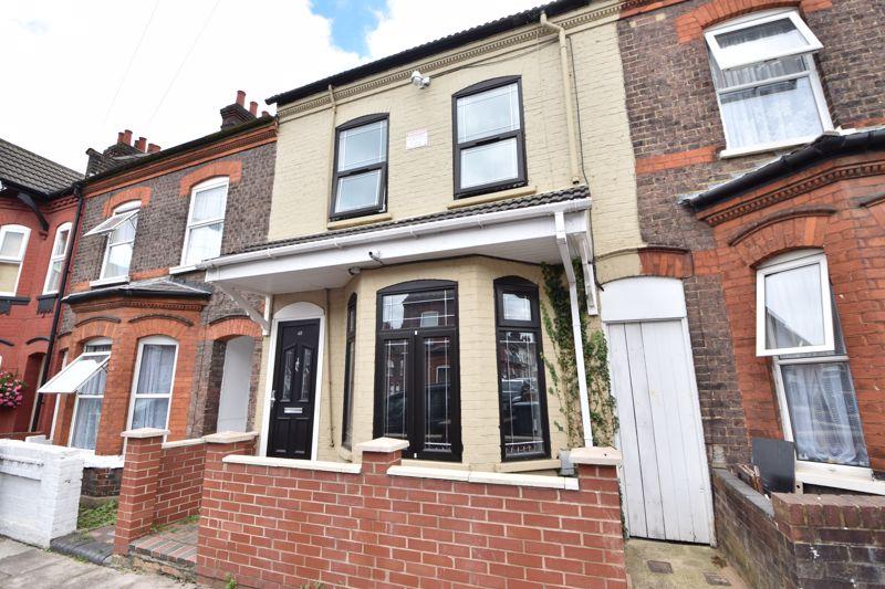 5 bedroom  to buy in Vernon Road, Luton