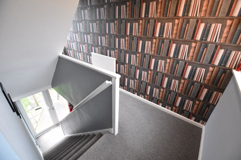 2 bedroom  to buy in Brendon Avenue, Luton - Photo 4