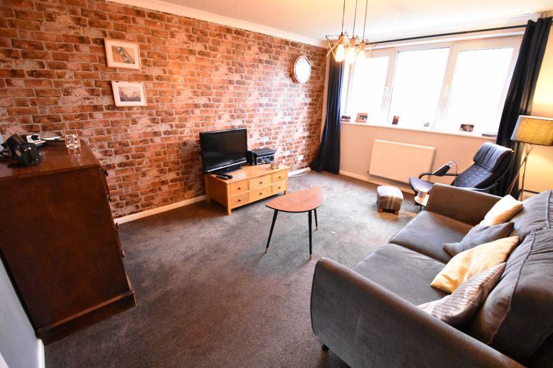 2 bedroom  to buy in Brendon Avenue, Luton - Photo 6