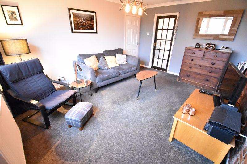 2 bedroom  to buy in Brendon Avenue, Luton - Photo 7