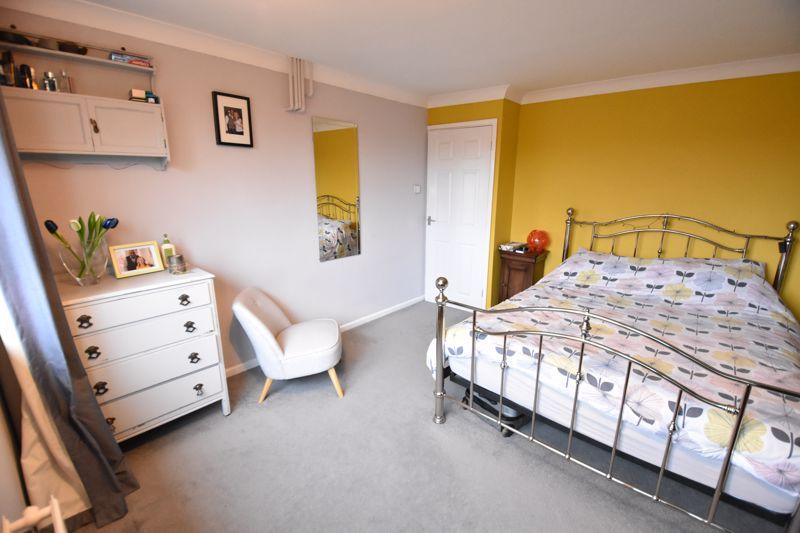 2 bedroom  to buy in Brendon Avenue, Luton - Photo 9