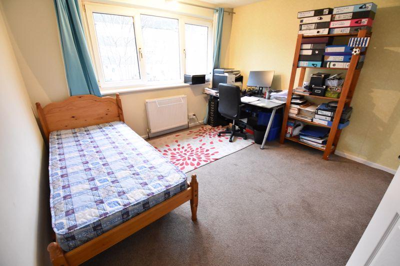 2 bedroom  to buy in Brendon Avenue, Luton - Photo 11