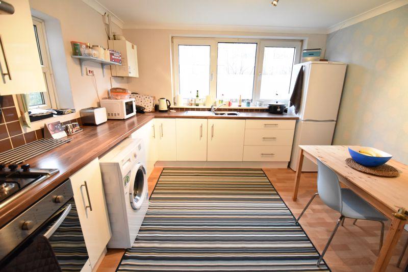 2 bedroom  to buy in Brendon Avenue, Luton - Photo 13