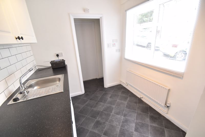 2 bedroom Flat to rent in Buxton Road, Luton - Photo 4