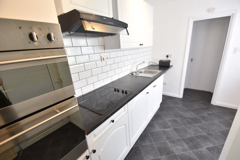 2 bedroom Flat to rent in Buxton Road, Luton - Photo 5