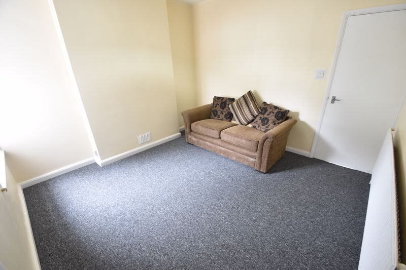 2 bedroom Flat to rent in Buxton Road, Luton - Photo 7