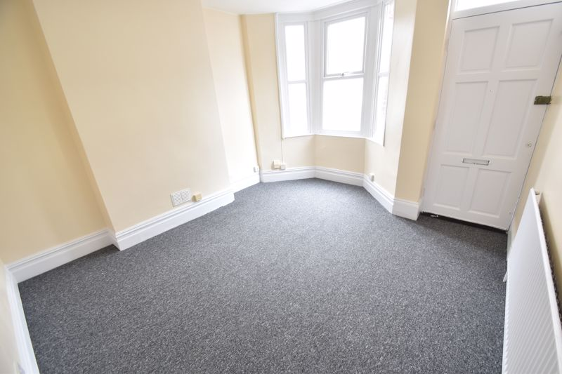 2 bedroom Flat to rent in Buxton Road, Luton - Photo 8