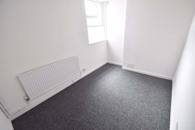 2 bedroom Flat to rent in Buxton Road, Luton - Photo 9