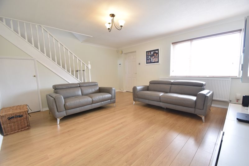 3 bedroom Semi-Detached  to buy in Brill Close, Luton - Photo 12