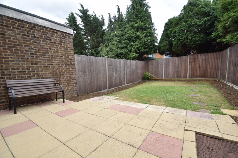 3 bedroom Semi-Detached  to buy in Brill Close, Luton - Photo 17