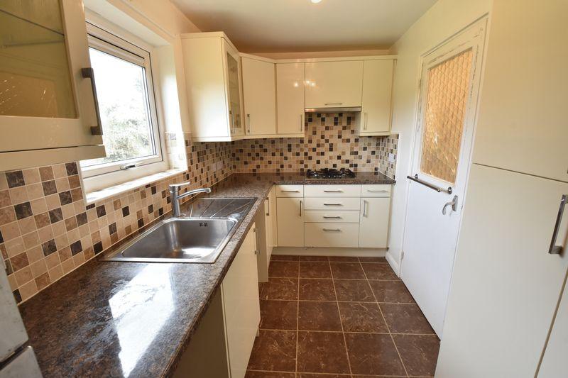 3 bedroom Apartment / Studio to buy in Whipperley Way, Luton - Photo 5