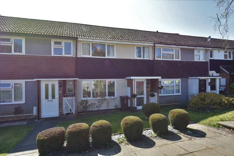 3 bedroom  to buy in Sherwoods Rise, Harpenden