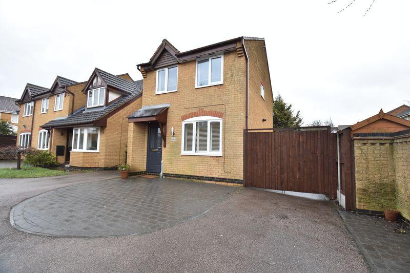 3 bedroom End Terrace to buy in Haycroft, Luton