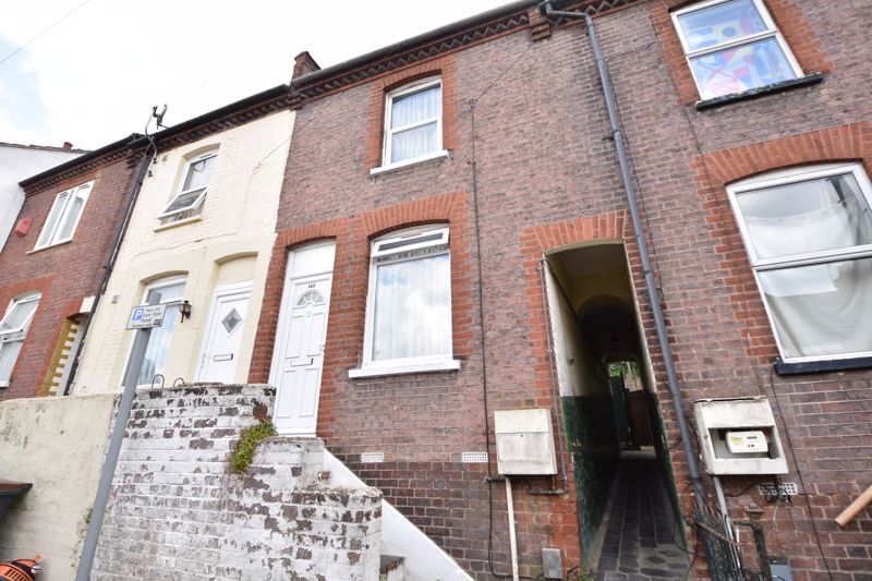2 bedroom Mid Terrace to buy in Hartley Road, Luton - Photo 1
