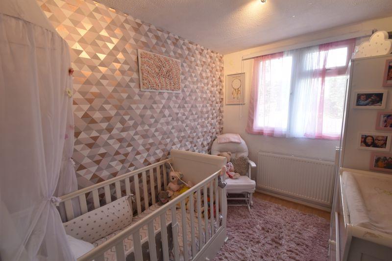 3 bedroom Semi-Detached  to buy in Seaton Road, Luton - Photo 11