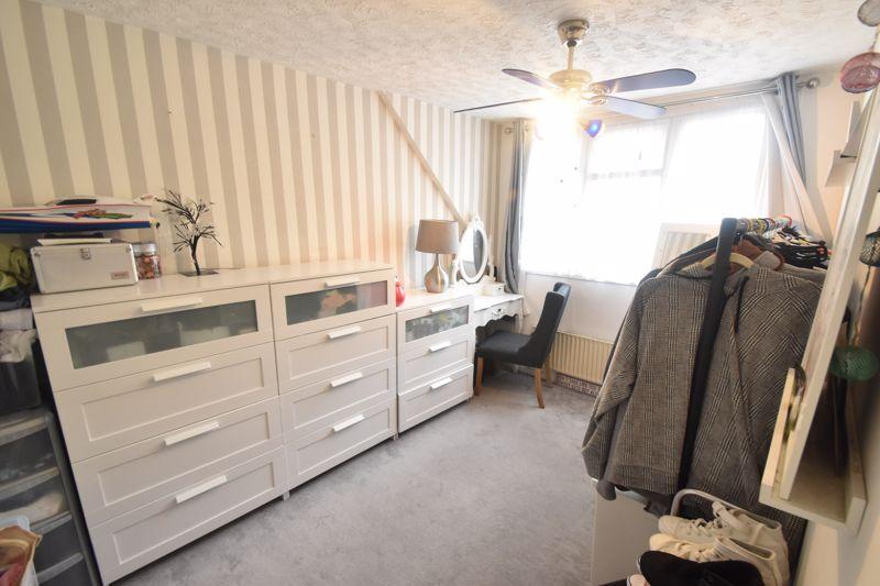 3 bedroom Semi-Detached  to buy in Seaton Road, Luton - Photo 12