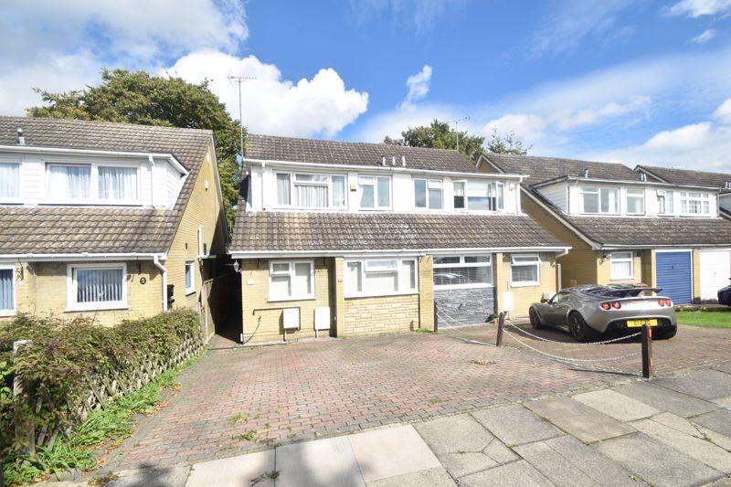 3 bedroom Semi-Detached  to buy in Seaton Road, Luton - Photo 4