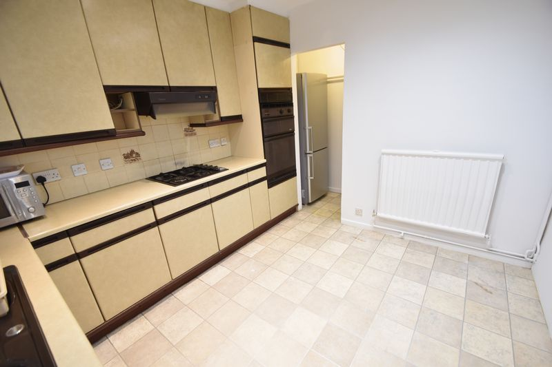 2 bedroom Flat to rent in Lawn Gardens, Luton - Photo 14