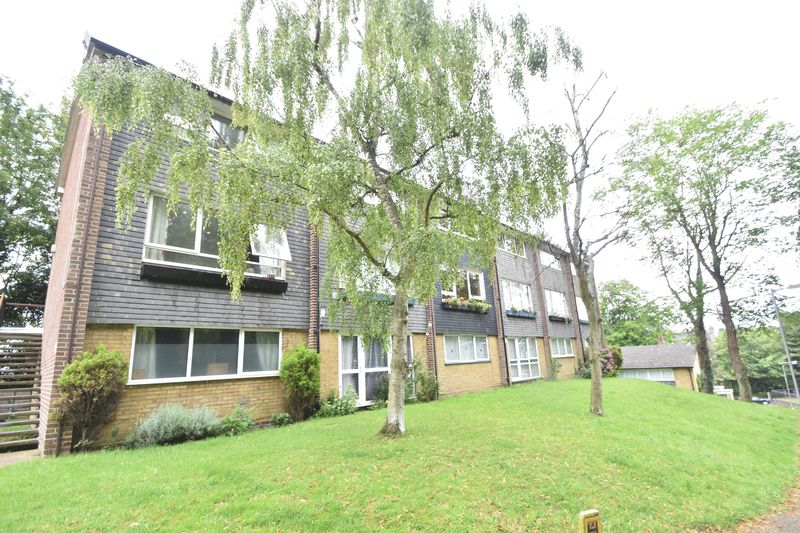 2 bedroom Flat to rent in Lawn Gardens, Luton