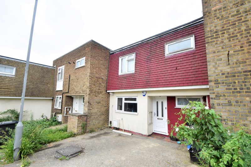 3 bedroom Mid Terrace to buy in Brussels Way, Luton