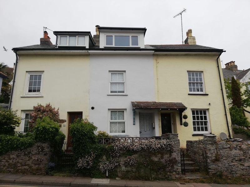 2 bedroom Mid Terrace to rent in Burton Street, Brixham