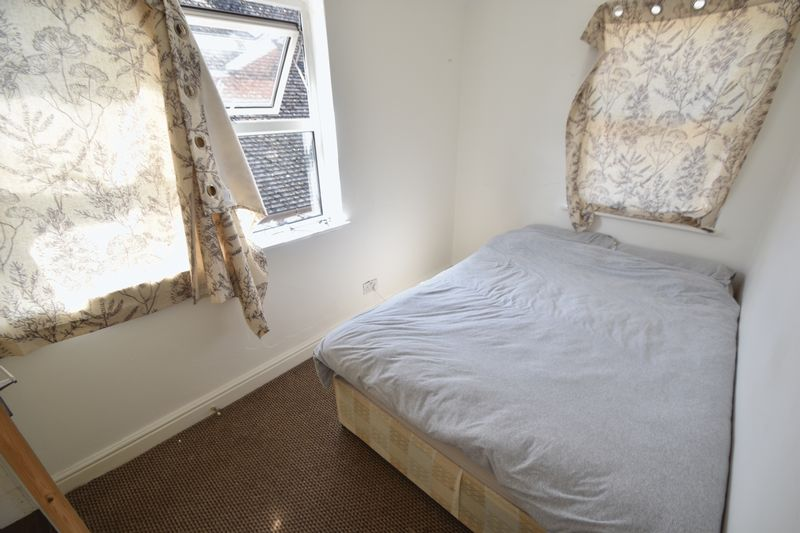 2 bedroom Flat to rent in Grange Avenue, Luton - Photo 2