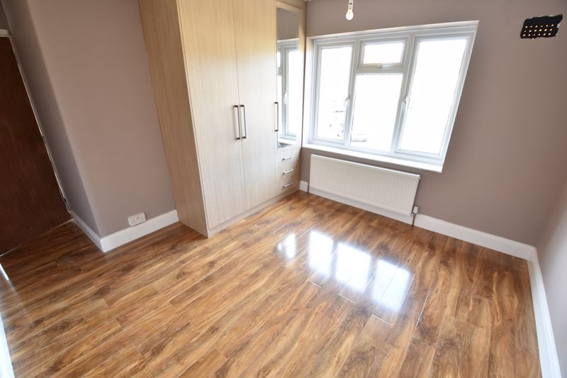 3 bedroom  to rent in Hanswick Close, Luton - Photo 4