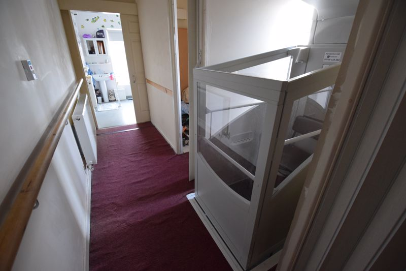 2 bedroom Mid Terrace to buy in High Town Road, Luton - Photo 3