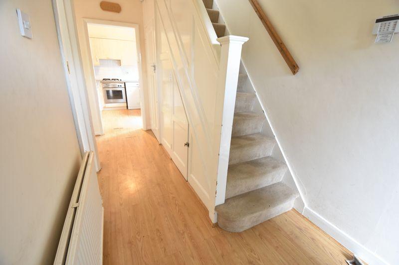 3 bedroom Semi-Detached  to buy in Wychwood Avenue, Luton - Photo 6