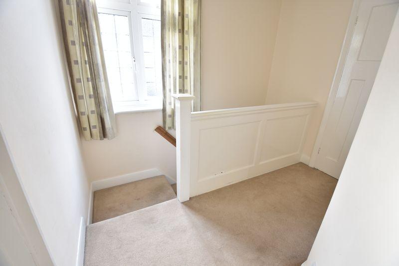 3 bedroom Semi-Detached  to buy in Wychwood Avenue, Luton - Photo 12