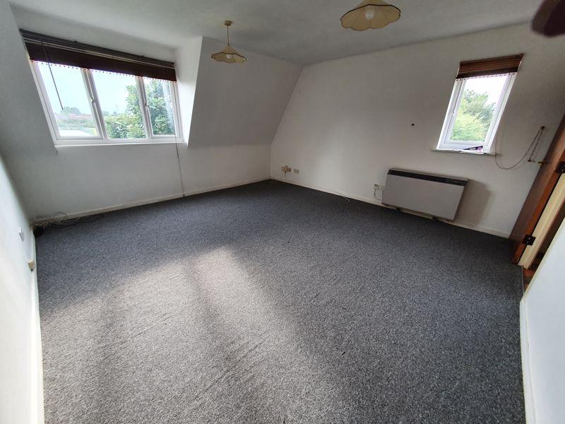1 bedroom Flat to rent in Rodeheath, Luton - Photo 9