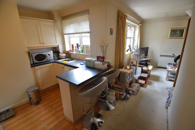 1 bedroom Flat to buy in Earls Meade, Luton - Photo 3